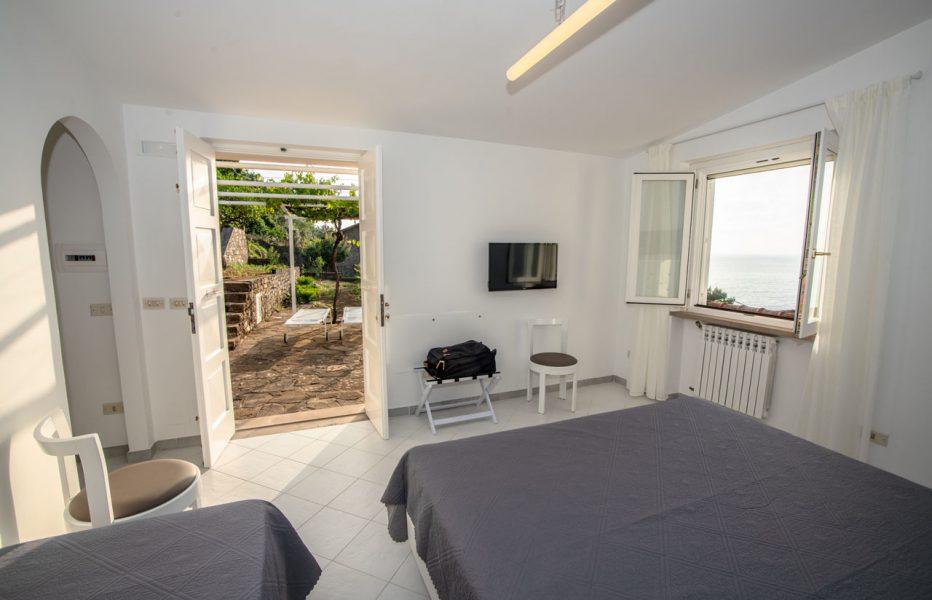 castellabate-sea-view-rooms-08